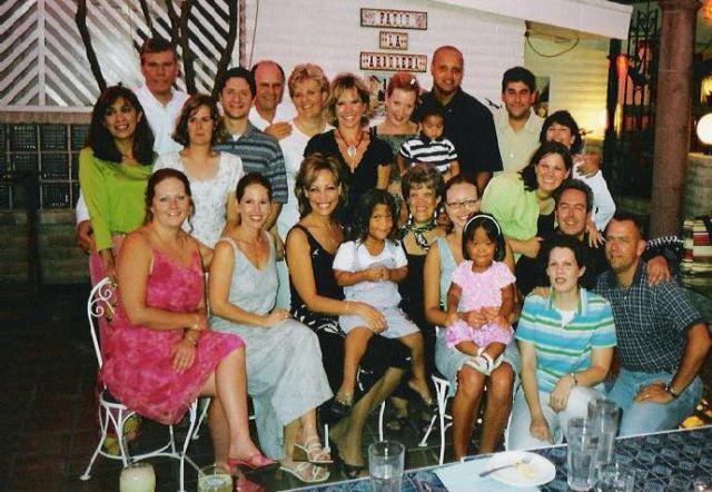 Los Nuevos Abrazos, August 2002